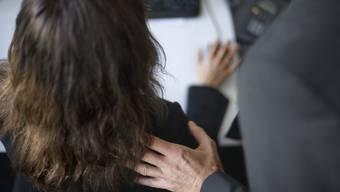 «Männliche sexuelle Übergriffe auf Frauen sind ein No-Go. Niemand darf sie verharmlosen oder gar entschuldigen. Gleichwohl findet man weiblichen Sexismus, innerhalb des eigenen Geschlechts und gegenüber Männern.» (Symbolbild, gestellte Aufnahme)