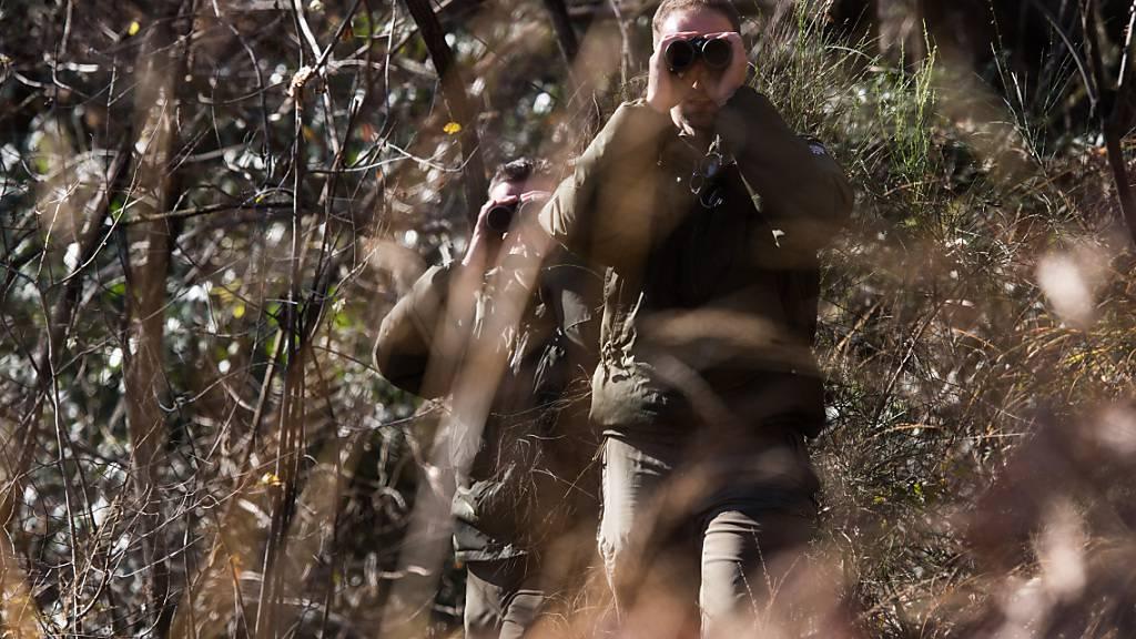 Das Jagdjahr 2020 war in der Schweiz ein durchschnittliches Jahr. Laut der neusten Jagdstatistik wurden rund 77'000 Wildhuftiere erlegt. (Archivbild)