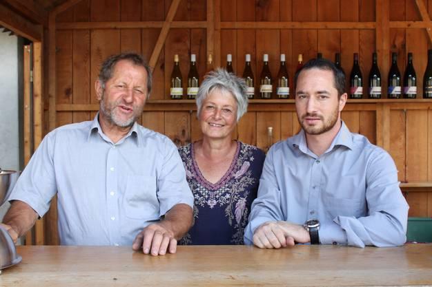 Hans-Heinrich (v.l.), Dora und Robin Haug luden zum Fest.
