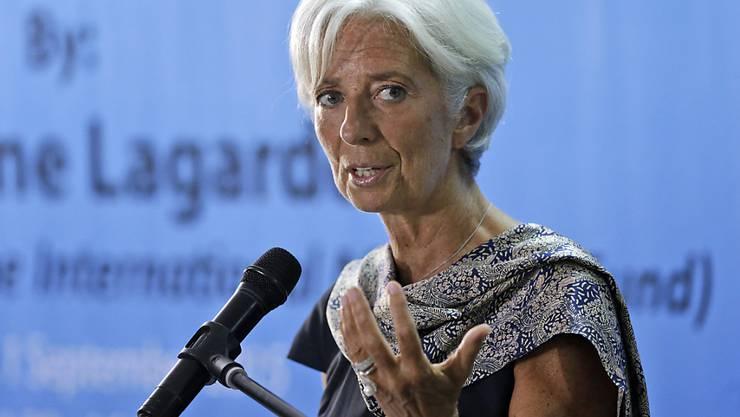 Chinas Wirtschaftslage wird die Weltwirtschaft stärker beeinflussen als bislang erwartet. Das ist die Ansicht des Internationalen Währungsfonds, den Christine Lagarde (Bild) anführt. (Archivbild)
