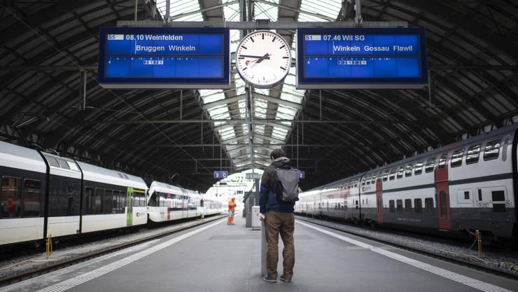 Neue Durchsagen am Perron: Die SBB führt an verschiedenen Bahnhöfen einen Pilotversuch durch.
