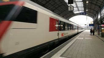 Der Mann konnte schliesslich am Bahnhof Olten vorläufig festgenommen werden. (Archivbild)