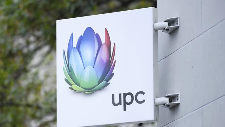 Der Kabelnetzbetreiber UPC Schweiz baut bis zu 10 Prozent seiner 1'600 Stellen ab. (Archiv)