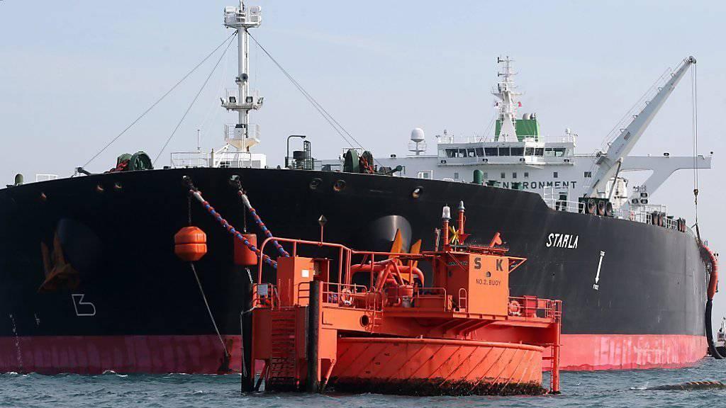 Iranischer Ölfrachter: Bei den Bemühungen um eine Stabilisierung des Ölpreises wird die Haltung Teherans eine entscheidende Rolle spielen.