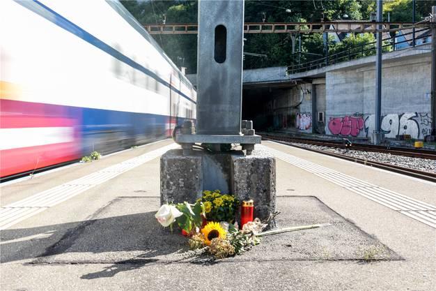 Die Bahngewerkschaft fordert einen Fahrstopp und die Kontrolle aller Wagen des Unglückstyps.
