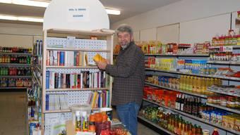 Peter Kalt konnte Migrolino als neuen Hauptlieferanten des Dorfladens gewinnen. Archiv