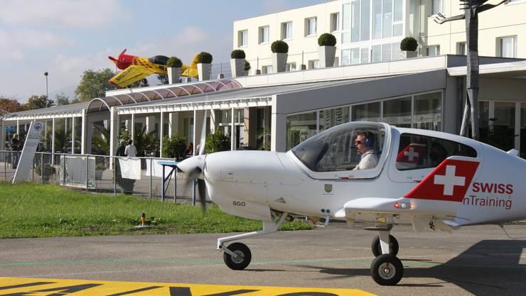 Die Maschinen von Swiss Aviation Training (SAT) starten und landen weiterhin in Grenchen.