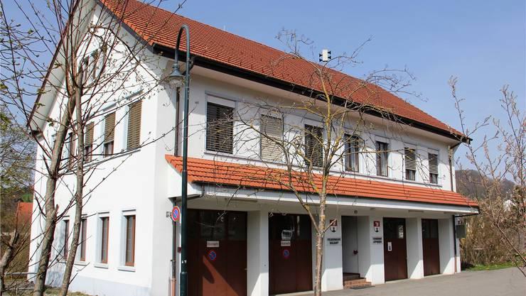 In Effingen – auf dem Foto das Gemeindehaus – ist neben der Sanierung der Bahnhofstrasse unter anderem auch die Abwasser-Grundgebühr ein Thema. Archiv AZ