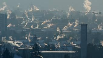 Saubere Luft: Das Verbot für Ölheizungen soll solche Badener Winterbilder verhindern. (Walter Schwager)