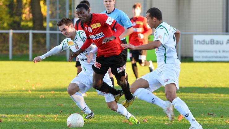 Der Ex-Wangner Valdimiro Quinjica (Bildmitte) stiess in der Winterpause vom SC Zofingen zum FC Olten.