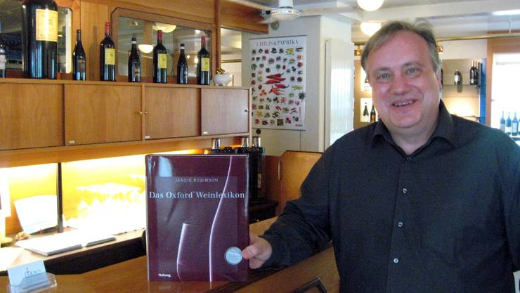 Peter Iten in seiner neuen Vinothek an der Seoner Reussgasse. Foto: mr