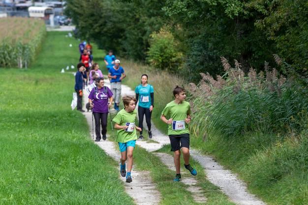 Es gab zwei Streckenvarianten durch die Natur, die man entweder laufend oder gehend absolvieren konnte.