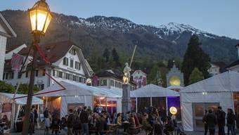 Während der Stanser Musiktage vom 30. April bis 5. Mai ist der Dorfplatz von Stans ein Ort für ein friedliches und ausgelassenes Volksfest.