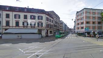 Wegen eines Verkehrsunfalls ist die Tramlinie 6 am Brausebad blockiert.