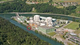 Atomkraftwerk Beznau: Der belastete Kies befindet sich im Oberwasserkanal auf der Höhe des Bürogebäudes (Kreis). (Bild: ZVG)