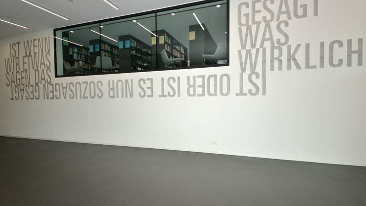 In der zweistöckigen Bibliothek lagern über 7 Millionen Dokumente