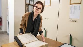 Staatsarchivarin Esther Baur fürchtet um ihr Archivgut.