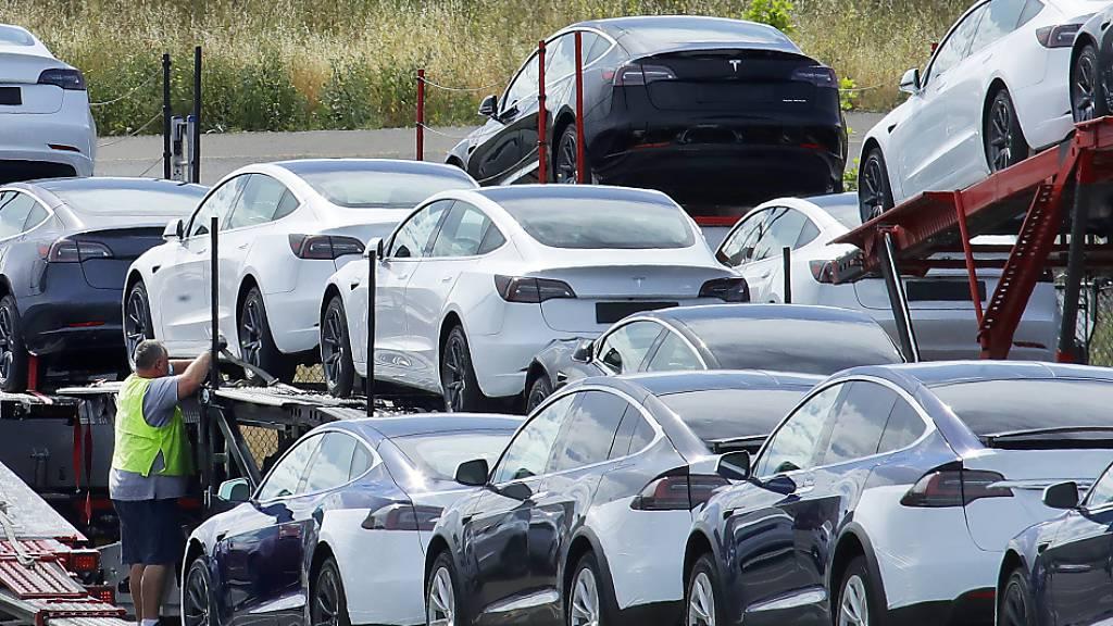 Tesla kommt laut einem Medienbericht neuerdings ohne Pressestelle aus. (Archivbild)