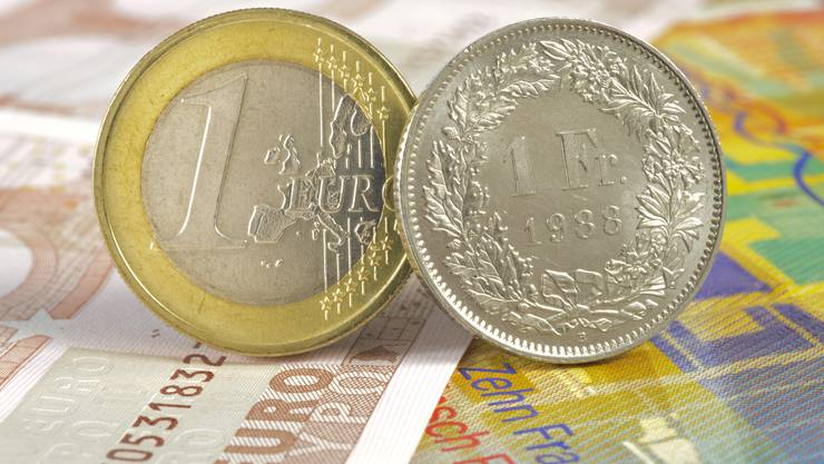Aktuell liegt der Wechselkurs für einen Euro bei Fr. 1.09. (Symbolbild)