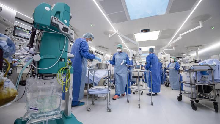 In den Einrichtungen des Genfer Universitätsspitals werden bereits 200 Coronapatienten behandelt.