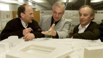 Der verstorbene Marcel Meili (rechts) war 2002 auch am siegreichen Projekt für ein neues Fussballstadion in Zürich beteiligt. (Archivbild)