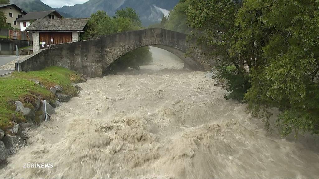 Starkregen sucht das Tessin und Graubünden heim