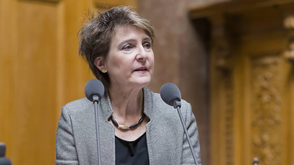 Umweltministerin Simonetta Sommaruga am ersten Sessionstag im Nationalrat, der eine hitzige Grundsatzdebatte zum Klima führte.