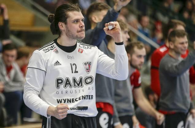 So ist Dario Ferrante in der Öffentlichkeit bekannt: Als emotionaler Torhüter des HSC Suhr Aarau.