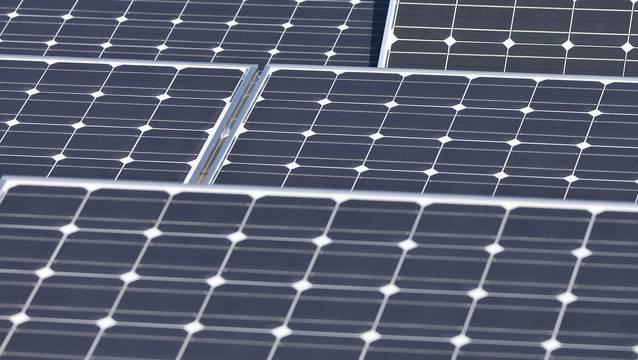 Die Zahl der Photovoltaikanlagen zwischen 2010 und 2017 ist im Aargau von 640 auf 4500 gewachsen. (Symbolbild)