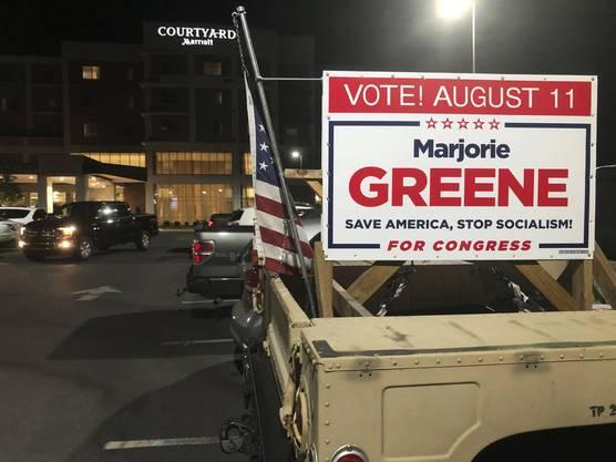 Die QAnon-Kandidatin Marjorie Taylor Greene gewann in Georgia ihren Wahlkreis für die republikanische Kandidatur. Ihr Einzug in den US-Kongress scheint sicher.