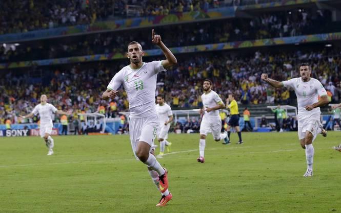 Islam Slimani trifft zum 1:1-Ausgleich und schiesst damit Algerien ins Achtelfinale