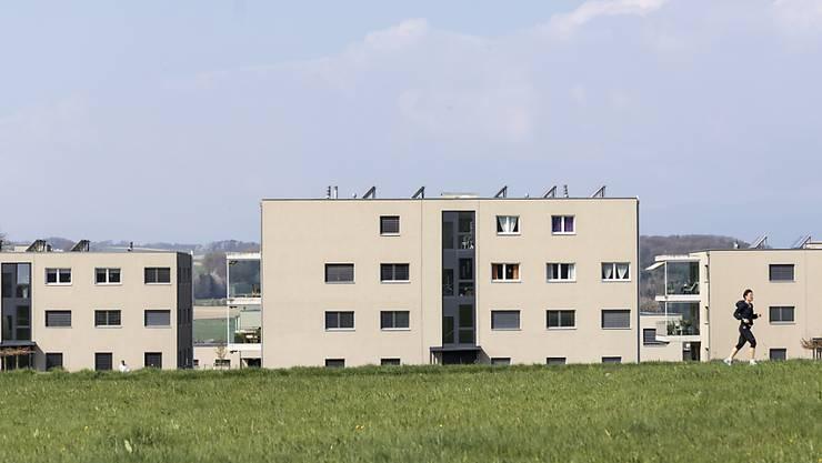 Die Angebotsmieten in der Schweiz sind im Juni gemäss den Berechnungen des Immobilienportals Homegate leicht gesunken. (Archiv)