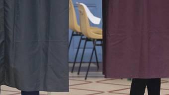 Wahllokal in Paris: Frankreich hat gewählt