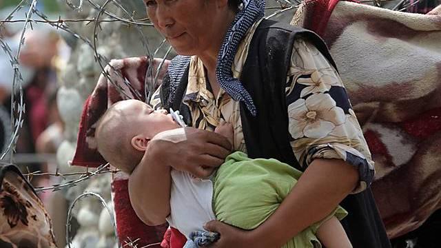 An der usbekisch-kirgisischen Grenze: Ethnische Usbeken kehren nach Kirgistan zurück