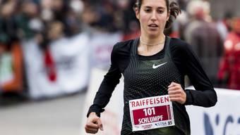 Fabienne Schlumpf läuft solo als Siegerin ein. (Archivaufnahme)