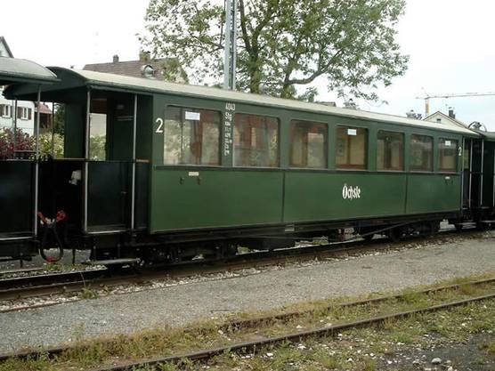 Die Schmalspurbahn Öchsle unterhält gleich mehrere historische Waggons aus Schlieren. Die Wagen stammten von der Waldenburgerbahn.