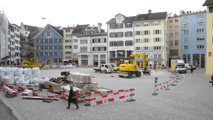 Geschichtsträchtiger Platz: An der Entwicklung des Münsterhofs lässt sich Zürichs Stadtgeschichte vom Mittelalter bis zur Gegenwart aufzeigen.