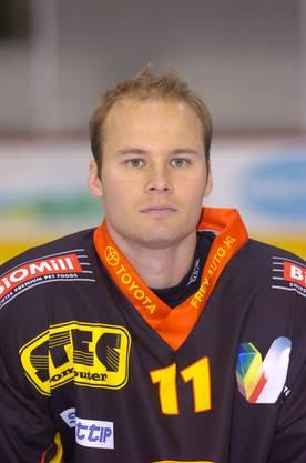 Niki Sirén spielte früher in der Nationalliga A. Auf diesem Bild aus dem Jahr 2005 ist er im Dress der SCL Tigers zu sehen.