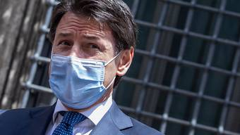Giuseppe Conte, Ministerpräsident von Italien, wird von der Staatsanwaltschaft zur besonders schweren Ausbreitung des Coronavirus im Norden des Landes vernommen. Foto: Cosimo Martemucci/SOPA Images via ZUMA Wire/dpa