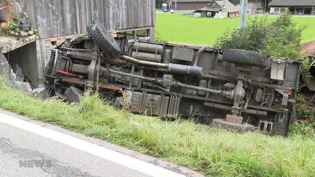 Därstetten: Unfall mit Militärfahrzeug fordert zwei Leichtverletzte