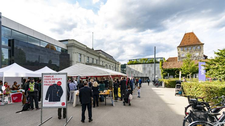 Mit einem Fest auf dem Aarauer Schlossplatz startete die SP Aargau in den Wahlkampf.