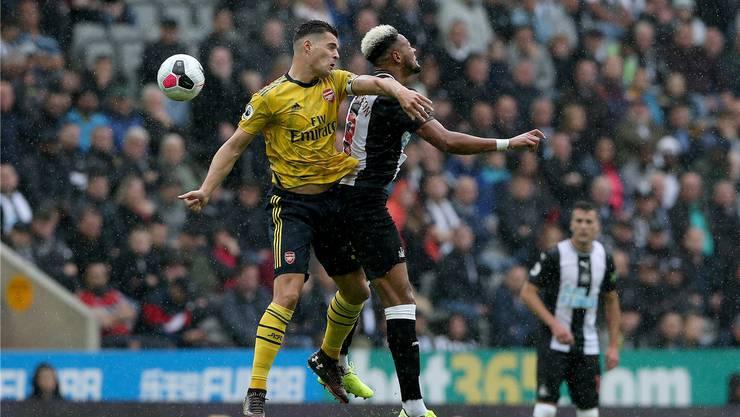 100. Auftritt im Dress von Arsenal: Granit Xhaka.Bild: Nigel Roddis/Keystone