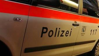 Die Stadtpolizei Zürich verhaftete zwei mutmassliche Drogendealer beim Bahnhof Stettbach am späten Samstagabend. (Symbolbild)