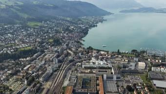 Stadt Zug und Zugersee (Archiv)