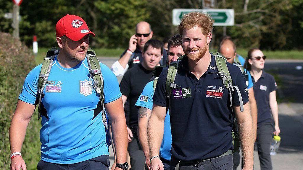 Das Wandern ist des Prinzen Lust: Harry begleitet die «Walking with the Wounded»-Gruppe auf einer Etappe
