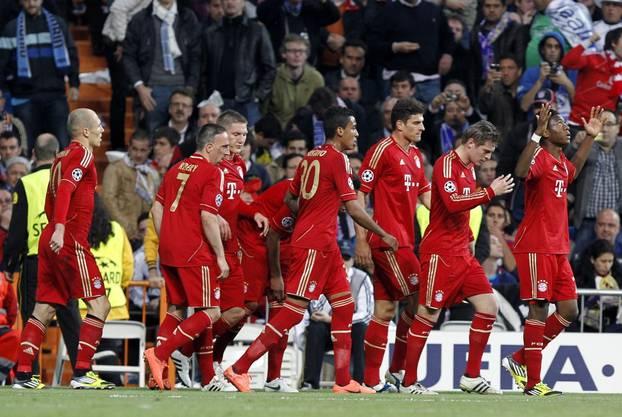 Jubelnde Bayern im Santiago Bernabeu