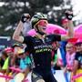 Tagessieg und Leadertrikot: Der Brite Simon Yates belohnt sich in der 14. Vuelta-Etappe gleich doppelt