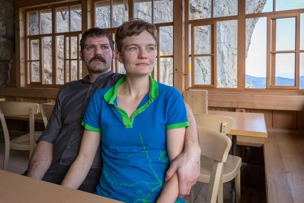 Freuen sich auf mehr Familienzeit Nicole und Bernhard Knechtle.