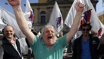 Giuliano Bignasca von der Lega dei Ticinesi freut sich am Sonntag über den Erfolg seiner Partei bei den Tessiner Regierungsratswahlen
