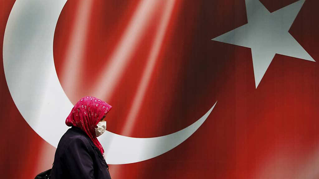 Freispruch gegen Ex-Innenminister in Türkei aufgehoben